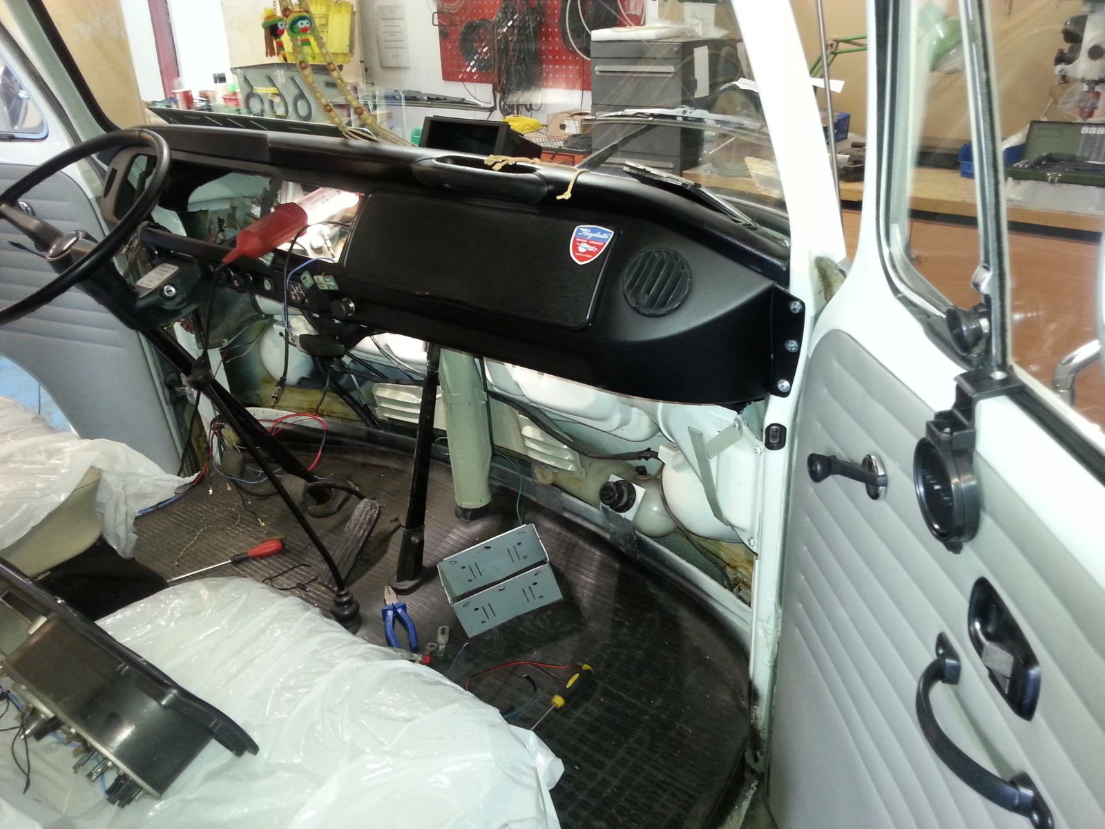 VW T2 - reconstruction + partial replacement of the installation.